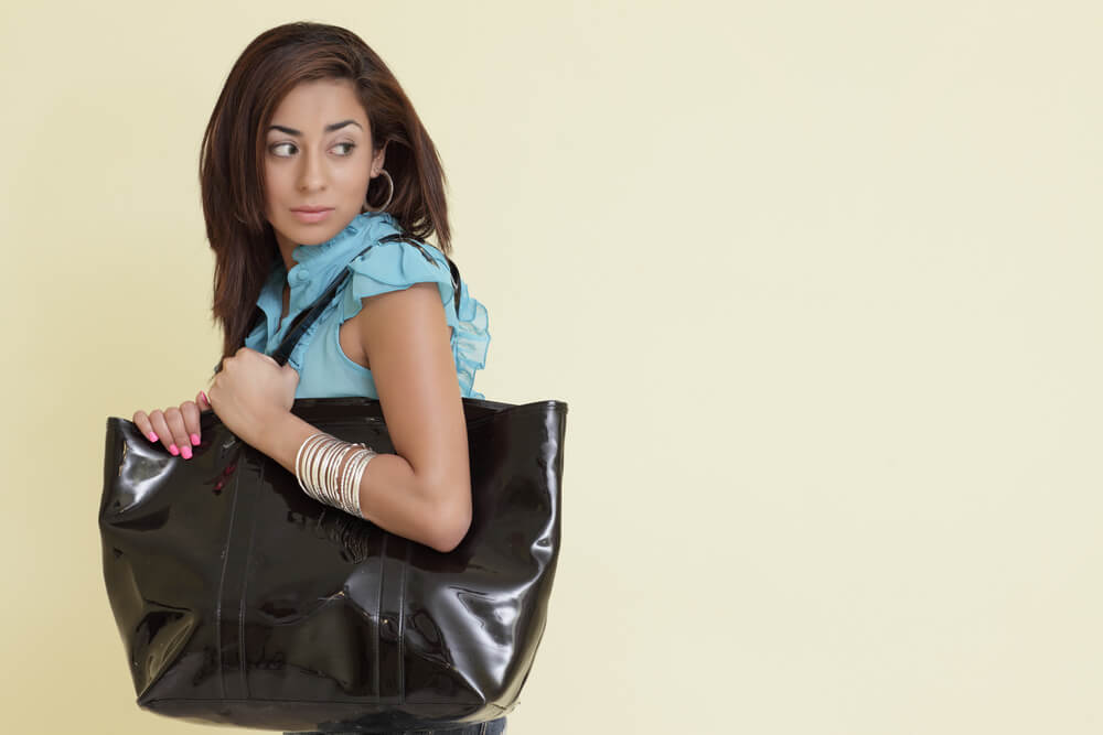 Purses and Neck Pain